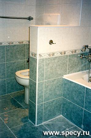 Ванная комната больших размеров около